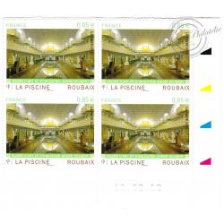 BLOC DE 4 TIMBRES POSTE AUTOADHESIFS 467 LA PISCINE ROUBAIX (2010)