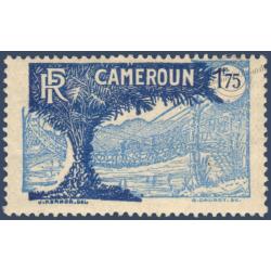 CAMEROUN N°147 TIMBRE TYPE DE 1925-27 VARIÉTÉ FOND DÉPLACÉ, NEUF**