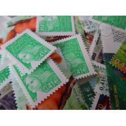 LOT DE 100 TIMBRES-POSTE 0.41 €