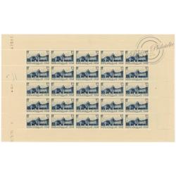 N°379, FEUILLE DE 25 TIMBRES, COUR D'HONNEUR DU CHÂTEAU DE VERSAILLES, TIMBRES NEUFS** 1938