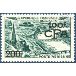 RÉUNION POSTE AÉRIENNE N°49, VUE STYLISÉE BORDEAUX SURCHARGÉ, NEUF**, 1951